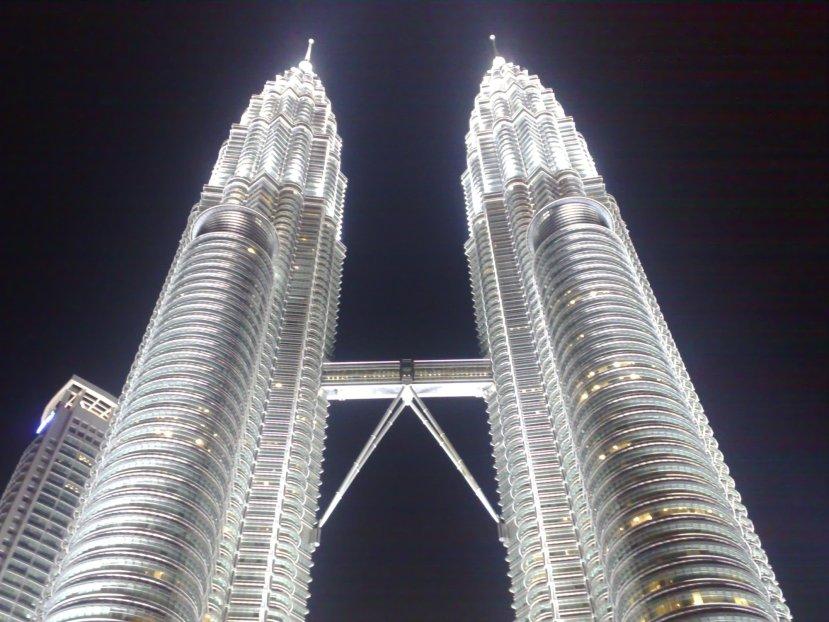 Lifting Towers in KualaLumpur