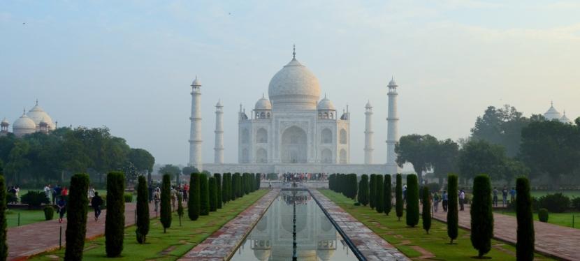 Steamy Moments at Taj Mahal and FatehpurSikri